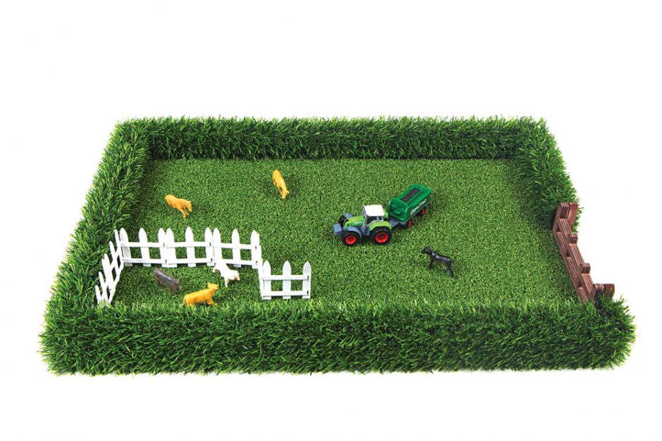 The Field Toy farm replica
