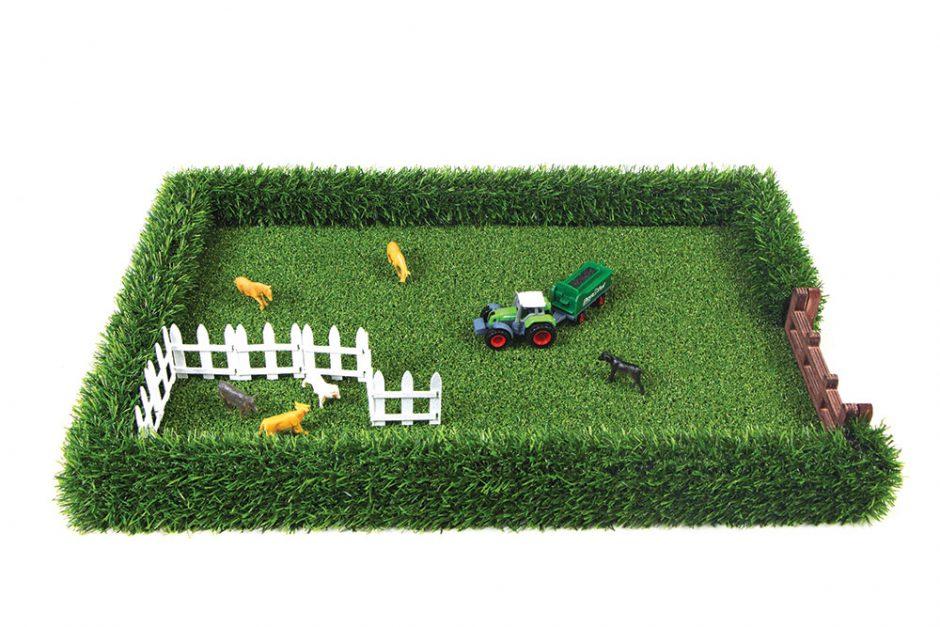 The Field Toy farm replica