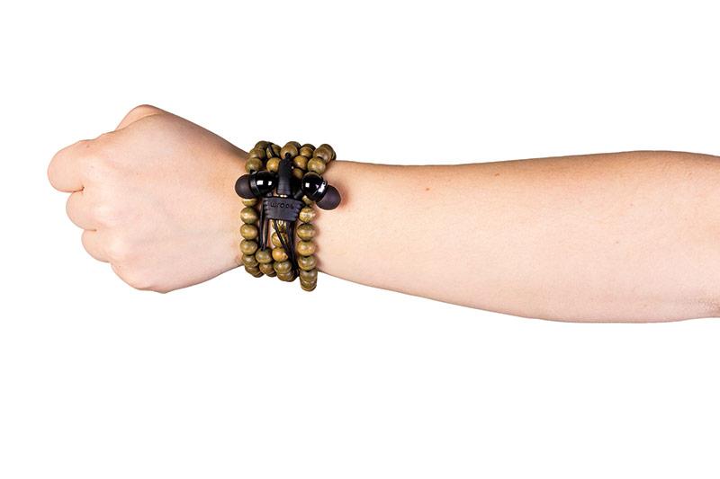 Wraps earbud bracelet