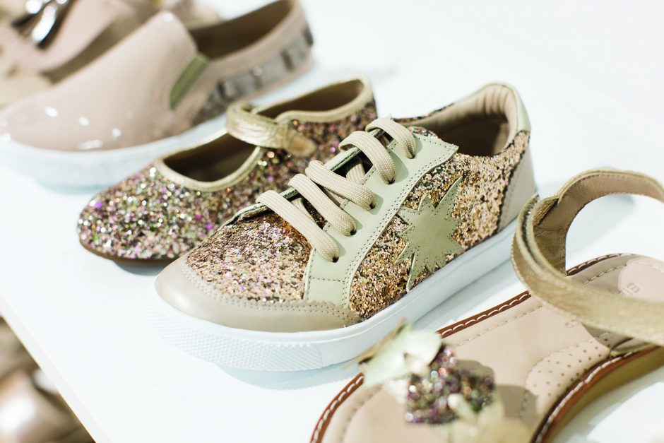 Buyers get their glitter fix from Elephantito.